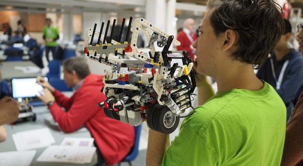 studente robot commerciale